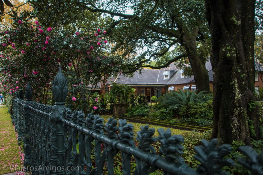 walking tour garden district new orleans