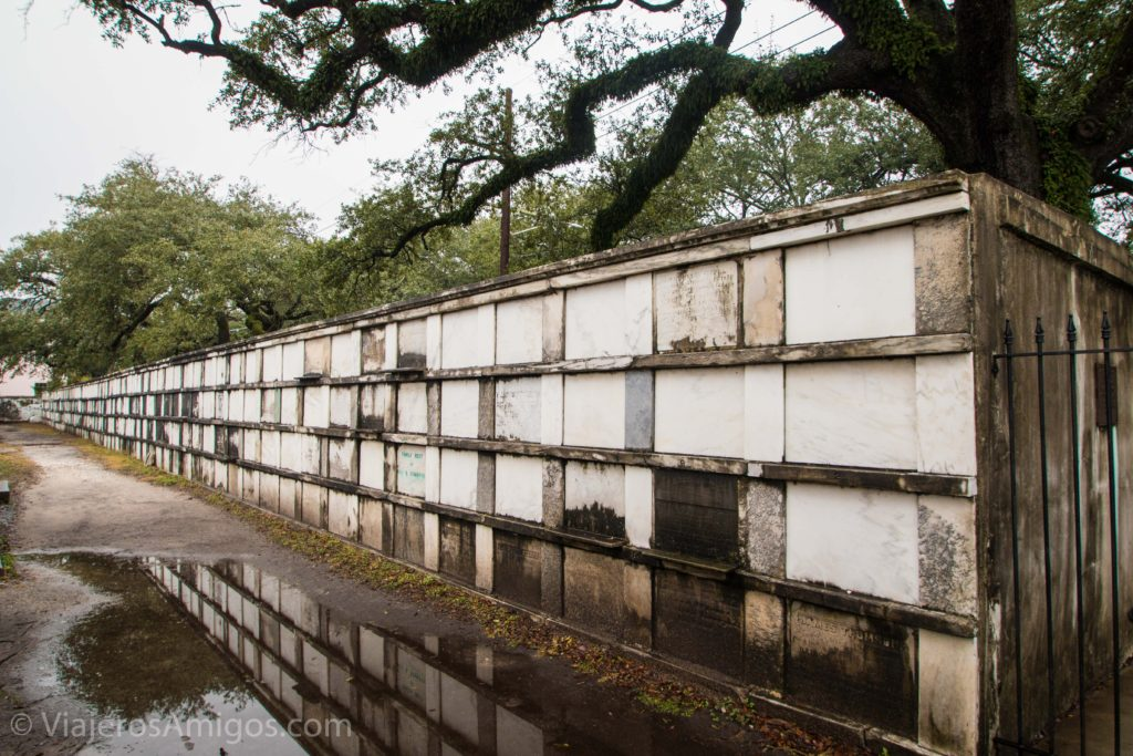 lafayette cemetery garden district