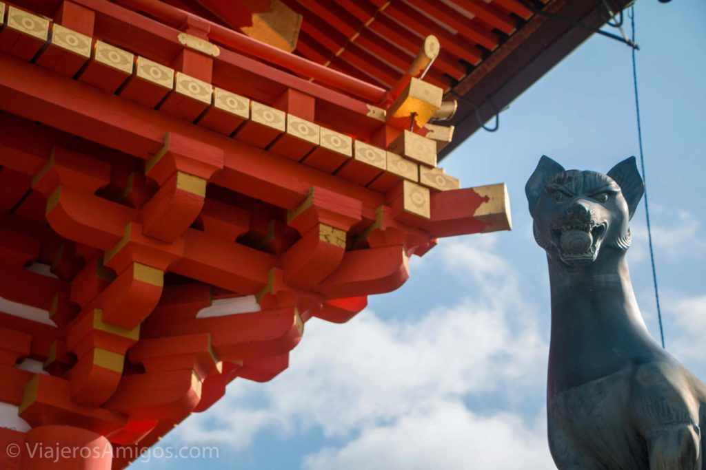 fushimi inari entrance detail 2